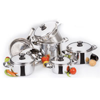 Stainless steel cookware set Family size 11 pcs: 5 lids, 4 casseroles, 1 frying pan, and 1 steamer.